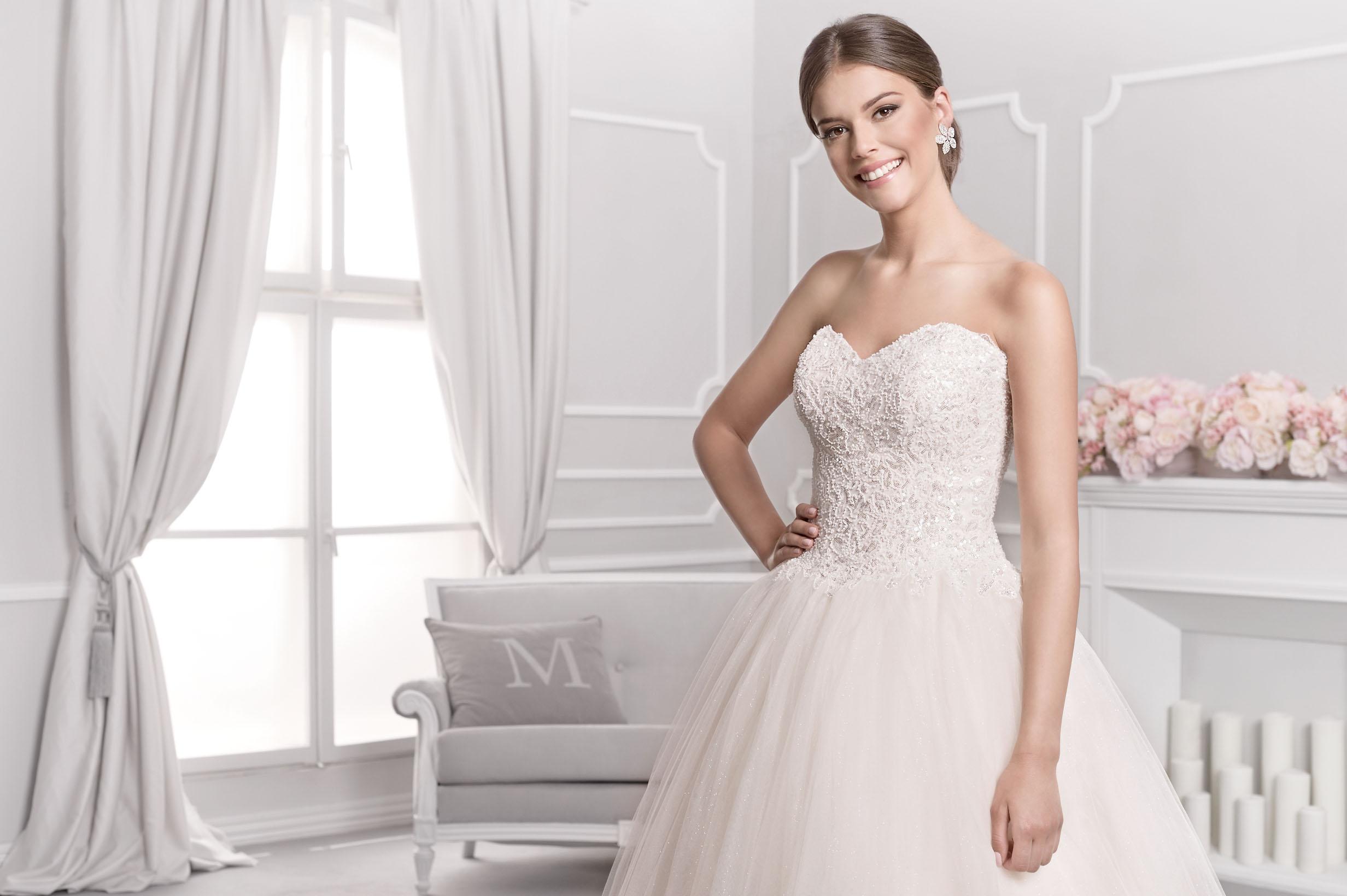 586ecefb2e Ekskluzywne suknie ślubne firmy Agnes Fashion Group już od 1 200 zł!